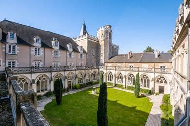 En chemin vers l'abbaye de Ligugé