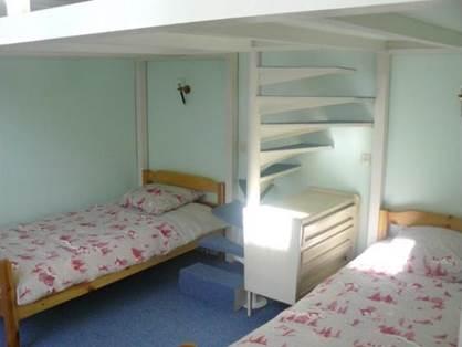 Chambre lits 90 et mezzanine
