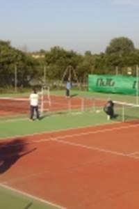Académie de tennis des Hauts de Nîmes