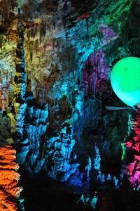Vols en aéroplume dans la grotte de la Salamandre
