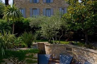 Charme Atmosphère & Gastronomie près du Pont du Gard