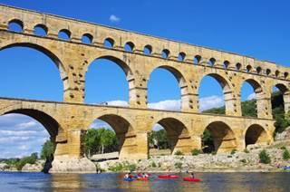 Pont du Gard et Gorges du Gardon à canoë