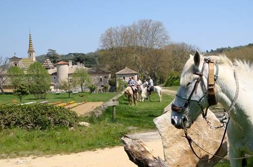 LaBalladeDuValDeCeze_L_Goudargues_Balade_2018_Provence_Occitane_003 ©