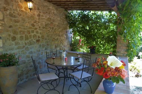 la terrasse couverte, lieu de convivialité ©