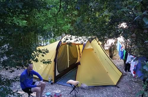 Tente au Camping les Sources ©