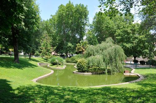 Ville d'Anduze : parc des cordeliers ©