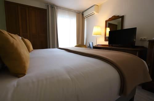 Hotel des Tuileries, Nîmes Centre, proche Maison Carré ©
